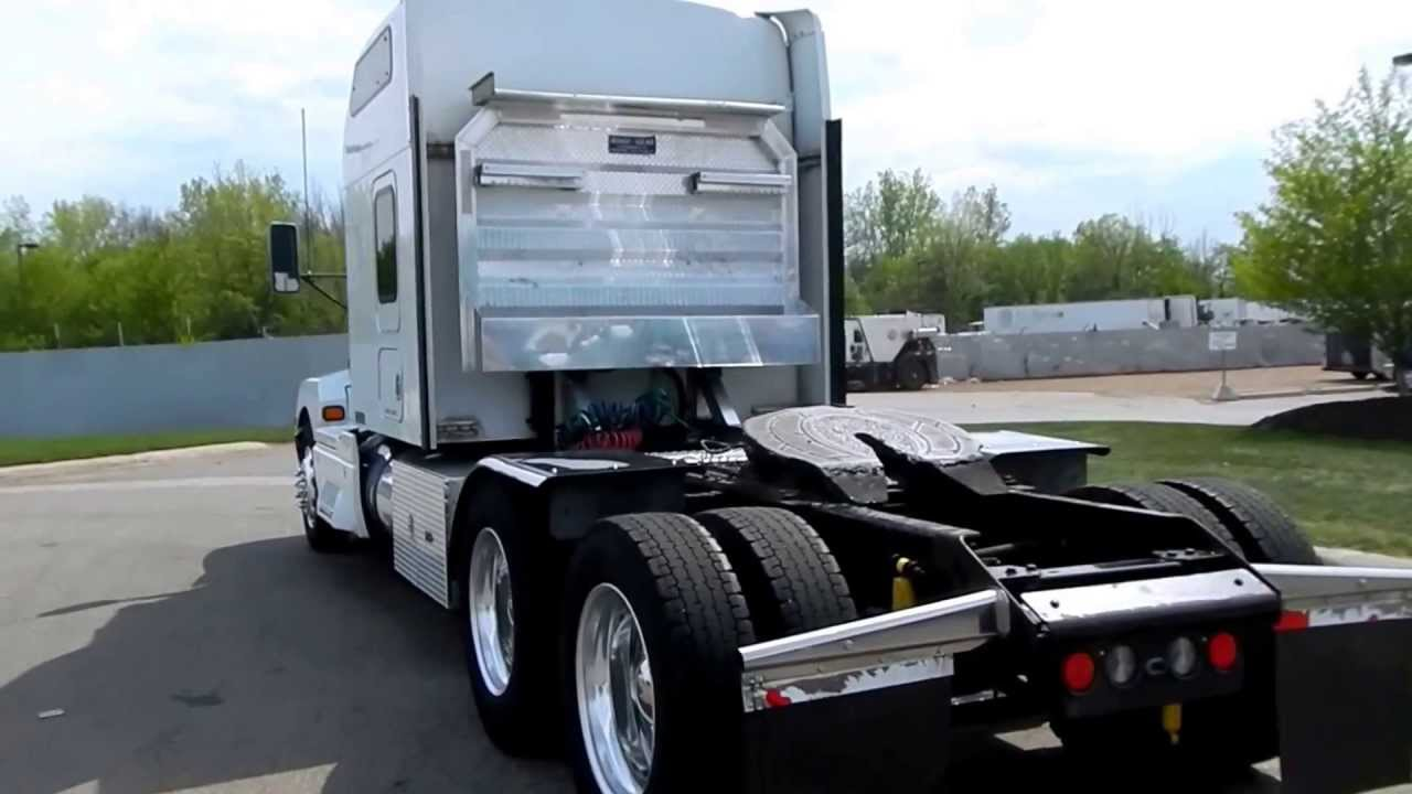 Benefits of Using Headache Racks for Your Semi-truck