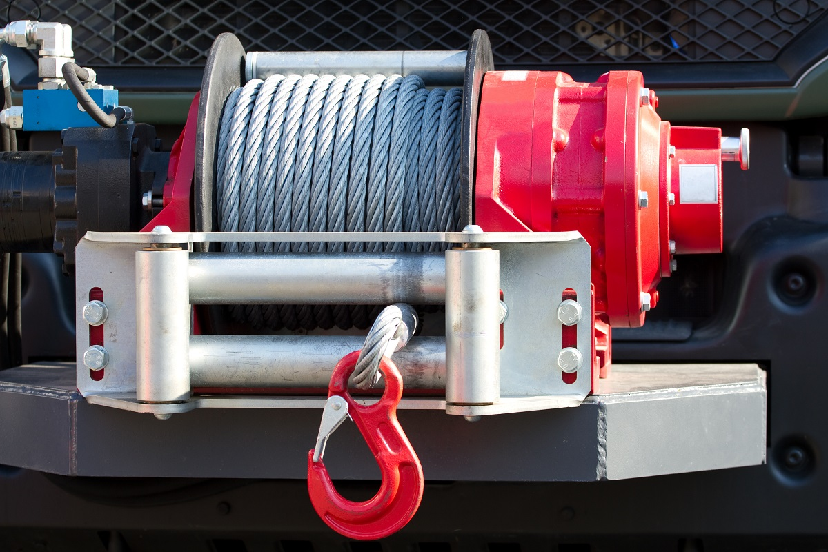 What You Need to Know About Winches for Flatbed Trailers